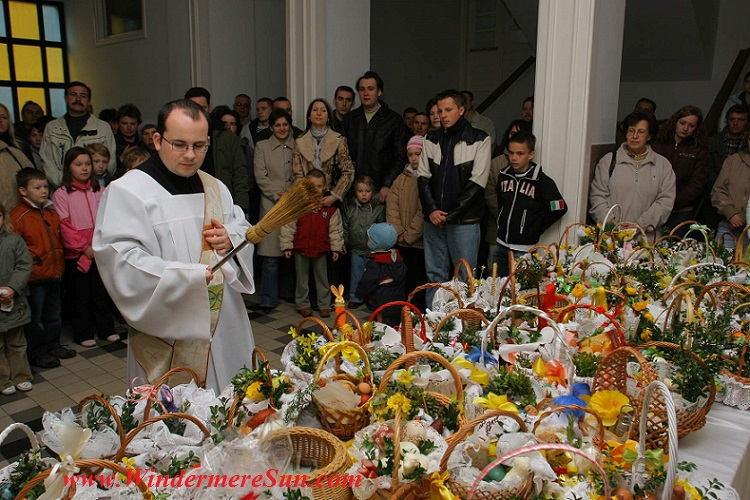 Easter-Blessing of Easter Foods in Poland, WSD Ołtarzew, www.wsdsac.pl Author Blazej Benisz final