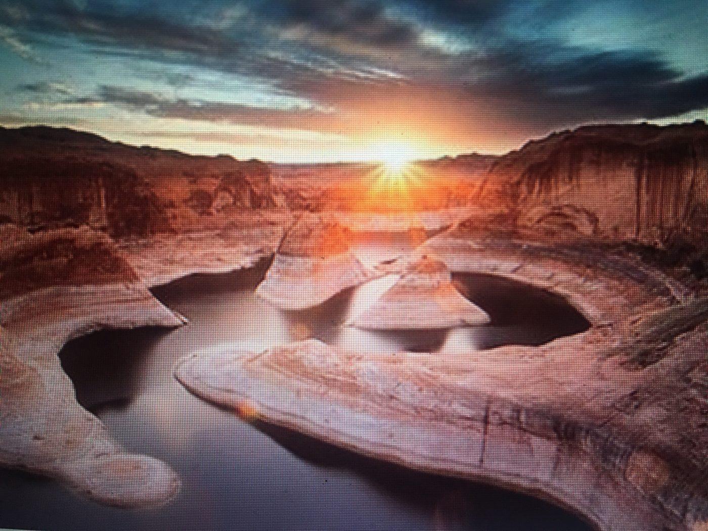 National Park1-Winner Yang Lu's sunburst at Glen Canyon National Recreation Are