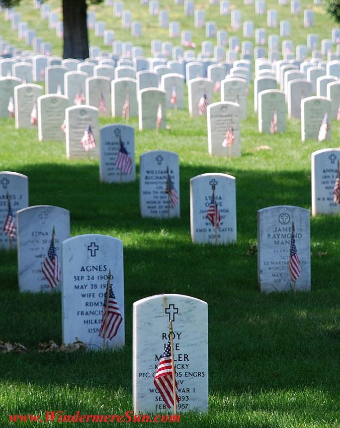 Memorial Graves_at_Arlington_on_Memorial_Day Attrib Remember Pub Do final