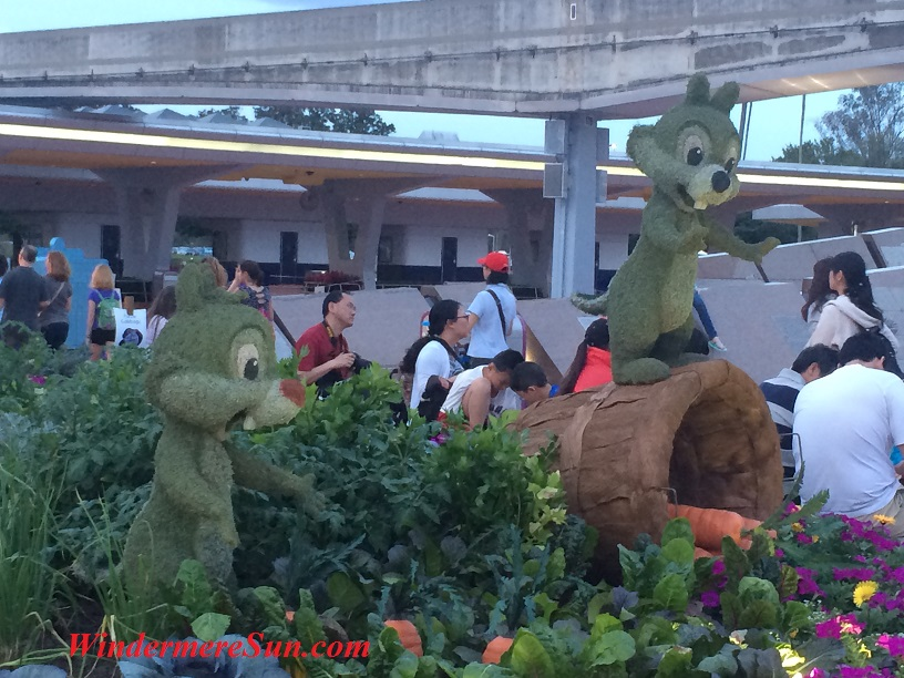 Epcot-Chipmonks topiary flower & garden show Epcot final (2)