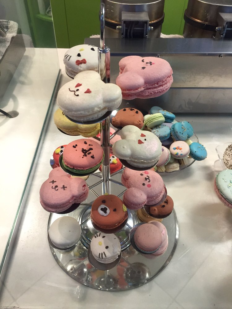 Quickly Boba & Snow54-hello kitty macaroon