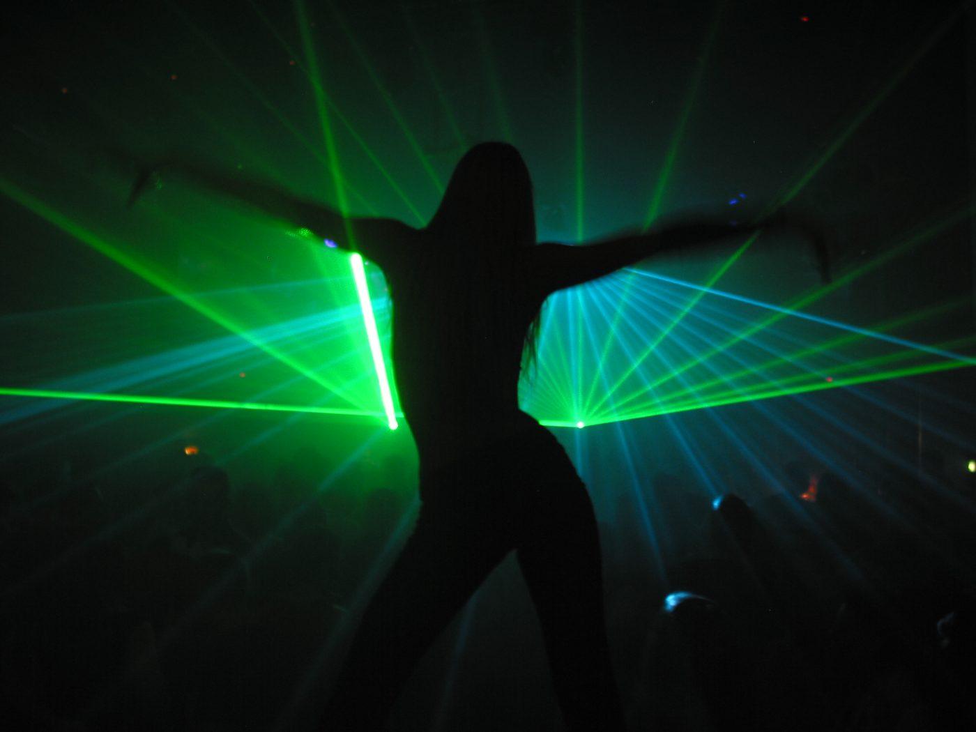 dance-for-laser-1439327 photographer-Martin Simonis (martwork)martwork