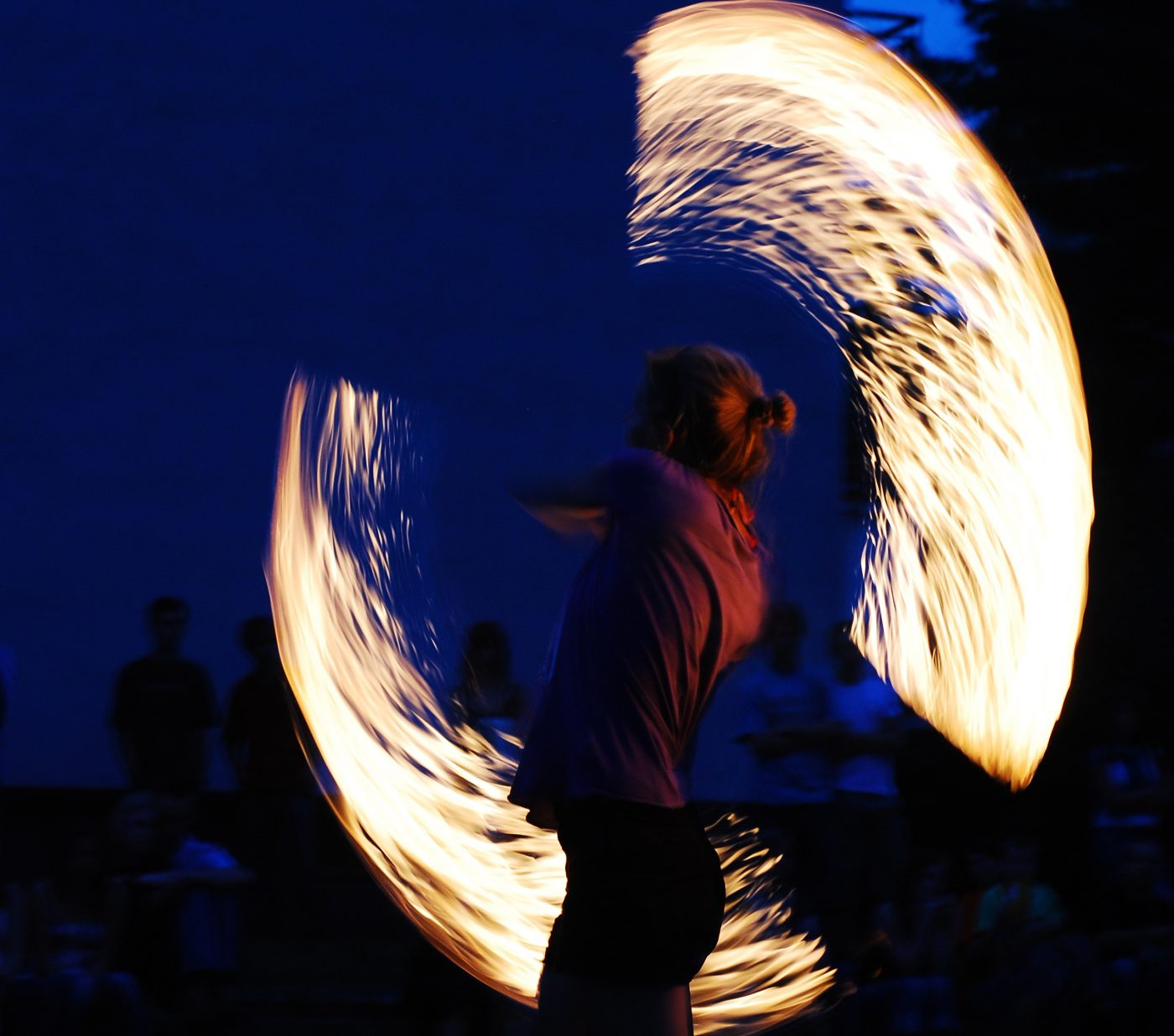 fire-dancing-1177838, photographer-janusz Gawron (januszek)