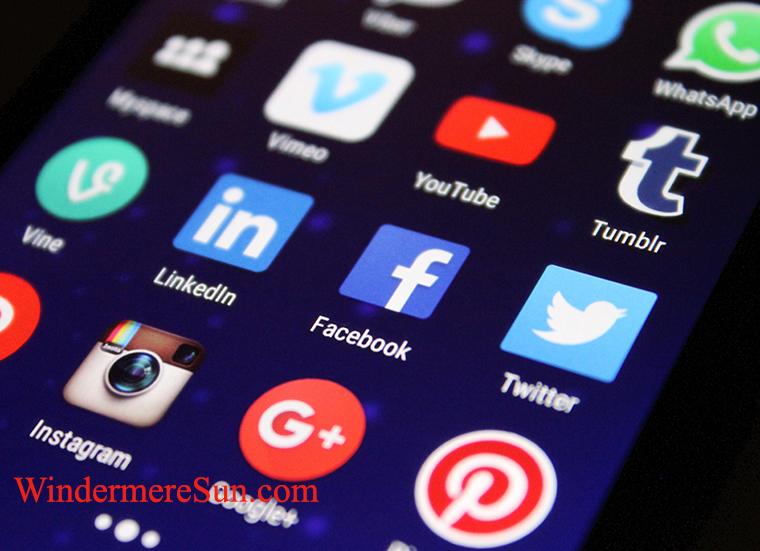 social media-pexels-photo-267350 final