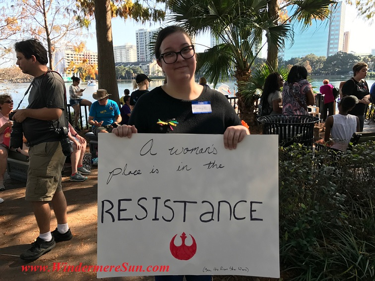 Woman with resistance sign final