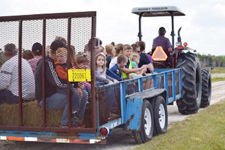 Festival-Hay-Ride final