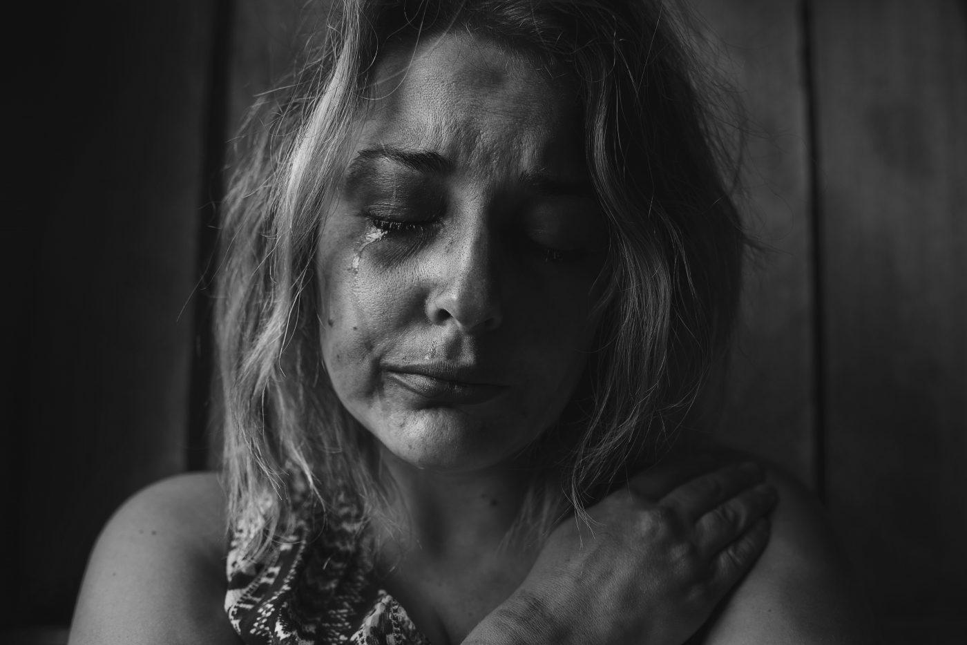 woman crying, pexels-photo-568021