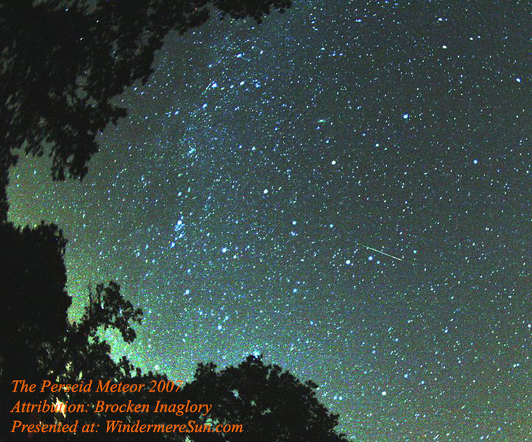 Perseid_meteor_2007,attribution-Brocken Inaglory final