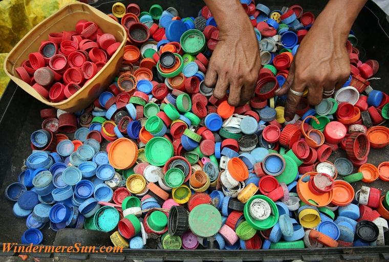 bottle-caps-bright-close-up-761297 final