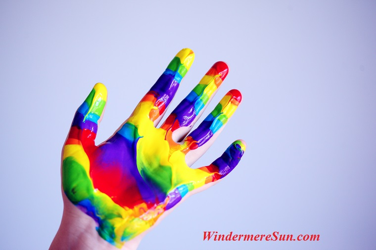 colorful hand, artistic-bright-child-1174932 final
