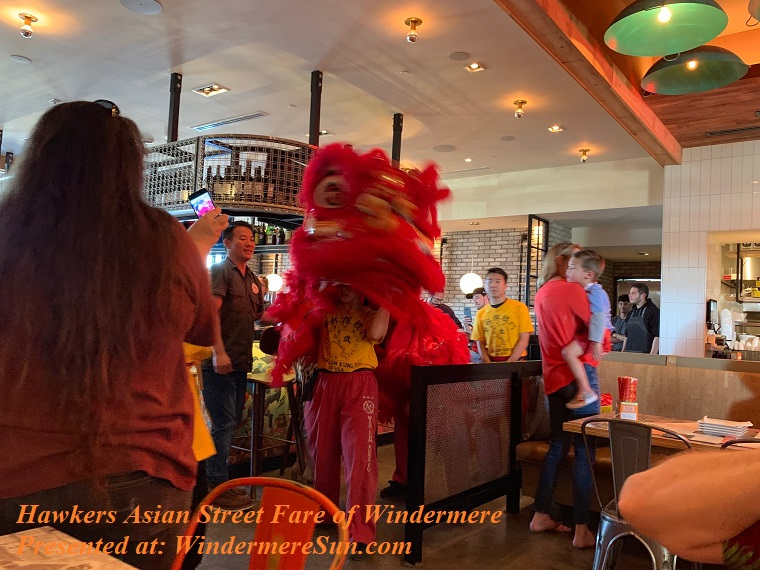 Hawkers' lion dance lion turns final