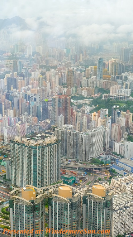 aerial-photography-of-white-and-multicolored-buildings-2863920 (1) final