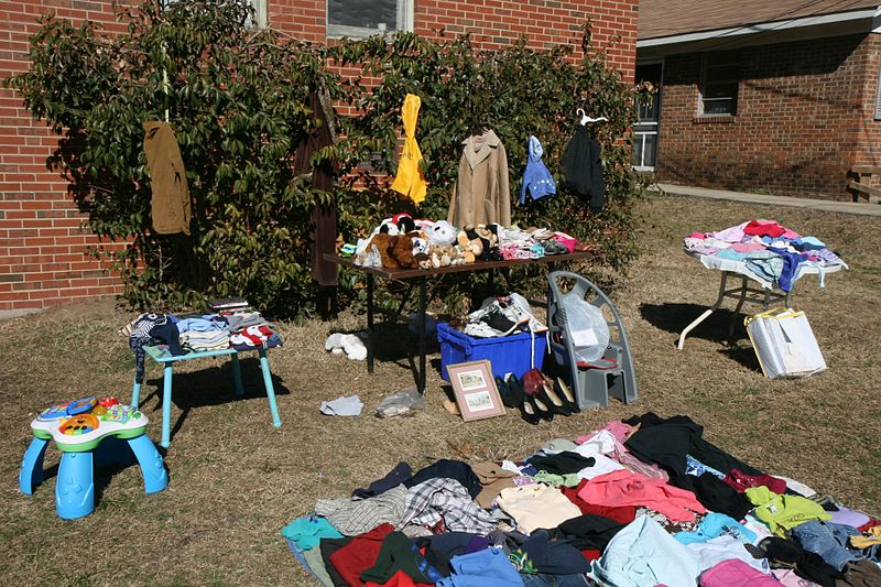 Yard_sale_on_Green_St_3 free content