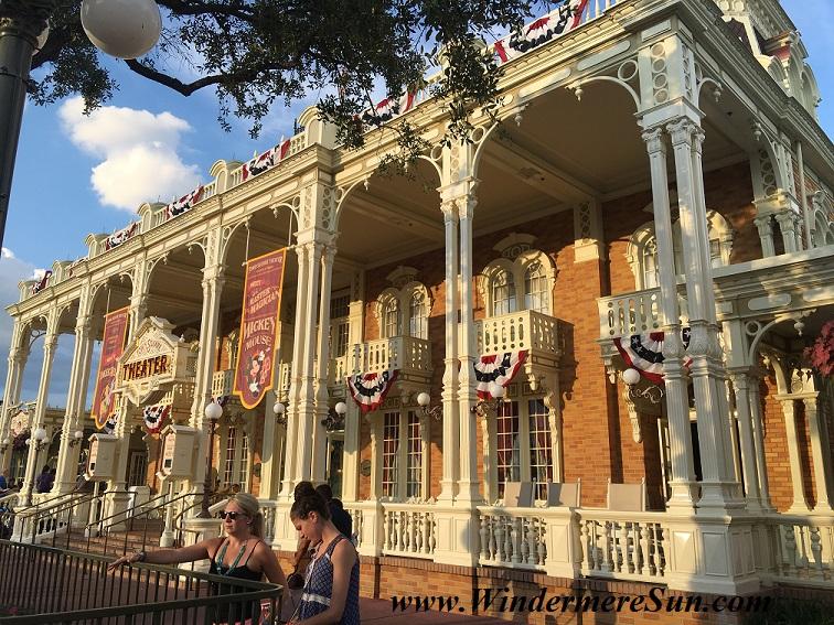 Disney-MagicKingdom-Main Street Building on July4, 2016 final