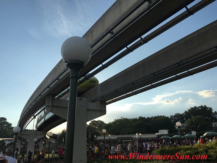 Disney-MagicKingdom-Monorail final