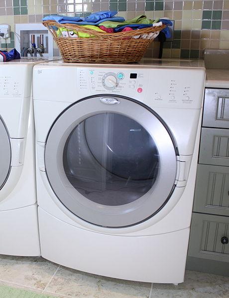 Dryer-Modern_front_load_tumble_dryer, Attribution-Rickharp at English Wikipedia