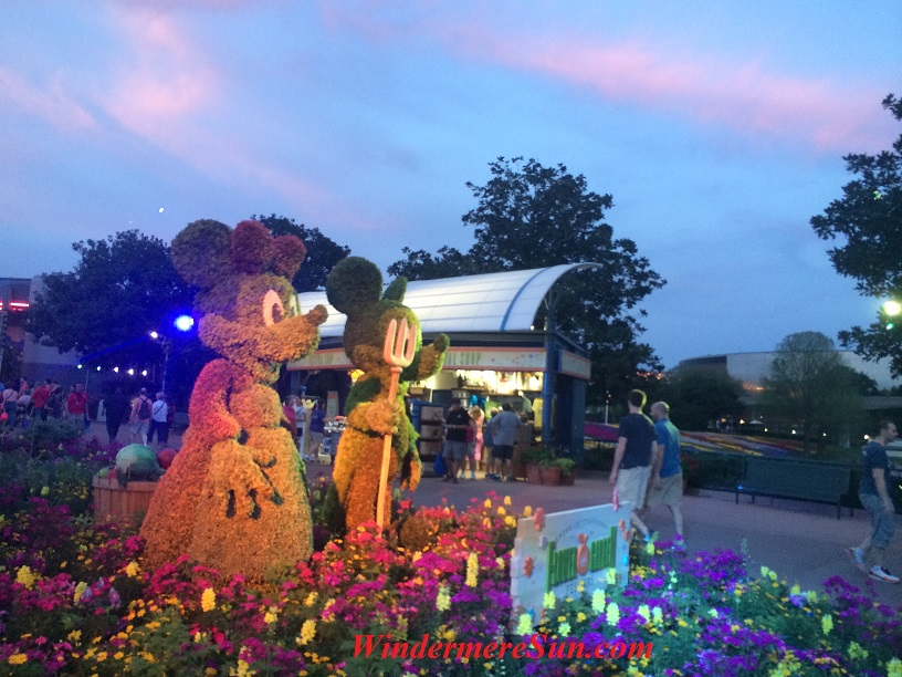 Mickey & Minnie topiary flower & garden show at Epcot final