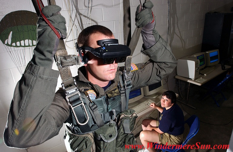 VR-Helm U.S. Navy personnel using a VR parachute training simulator PD final.