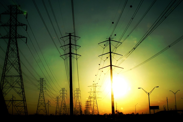 electrical-towers-1230495-1279x852 by Luis relampago final