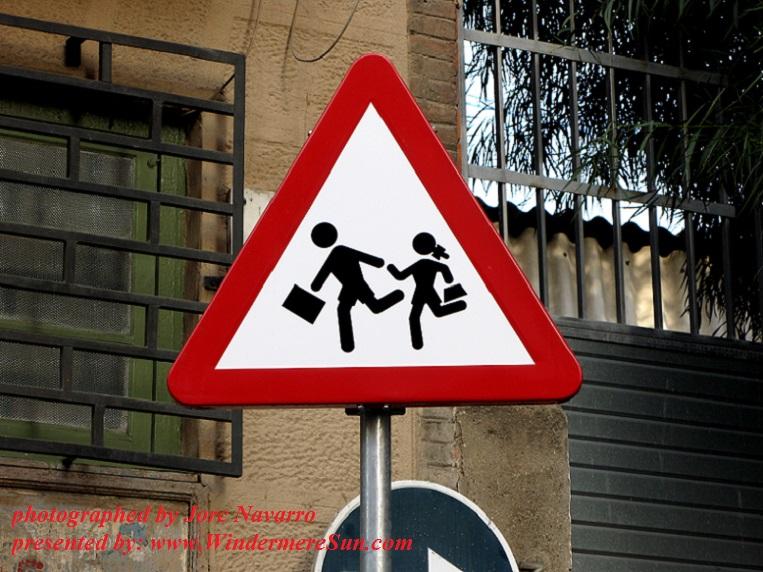 danger-school-traffic-signal-1444922, freeimages, by Jorc Navarro final