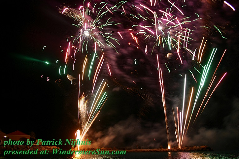 fireworks-1390951, freeimages, by Patrick Nijhuis final