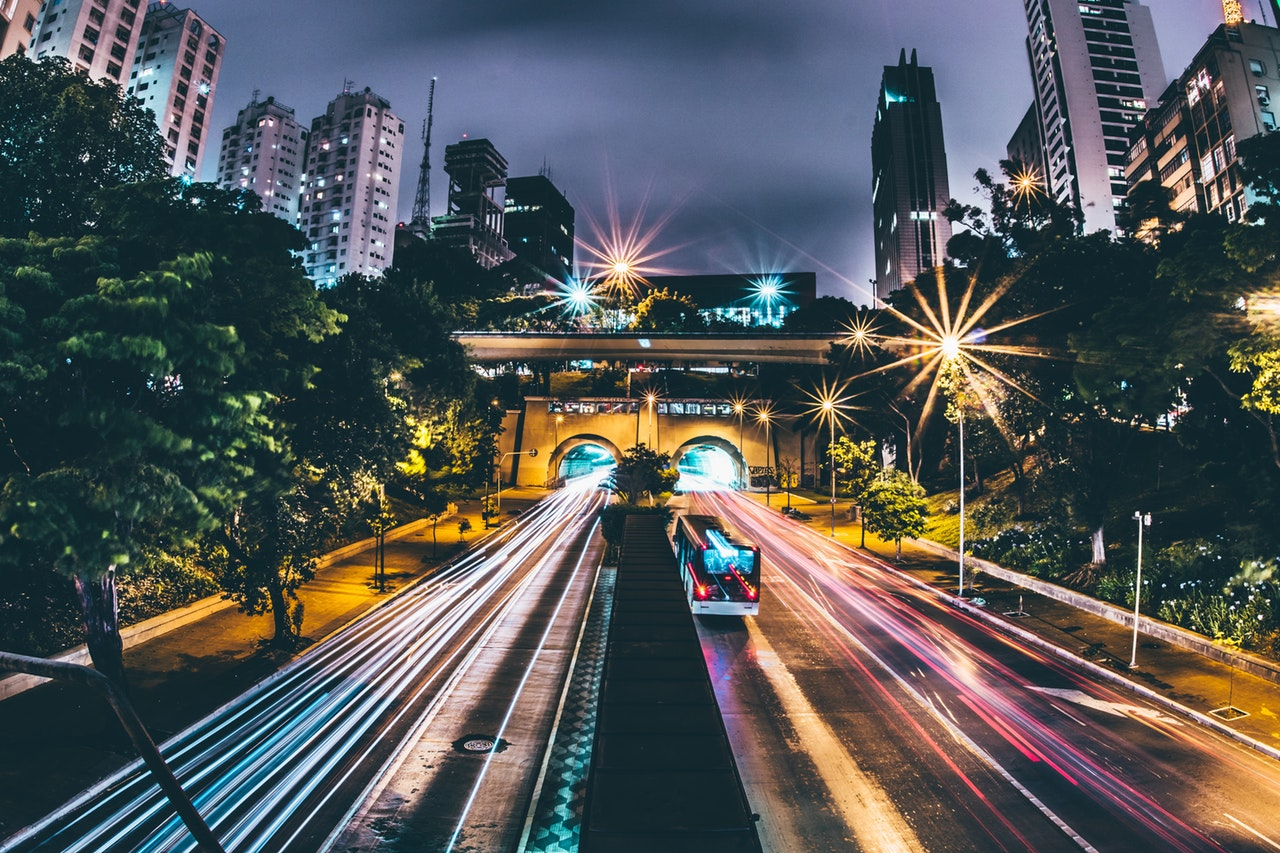 electric bus-pexels-photo-243753, by Kaique Rocha