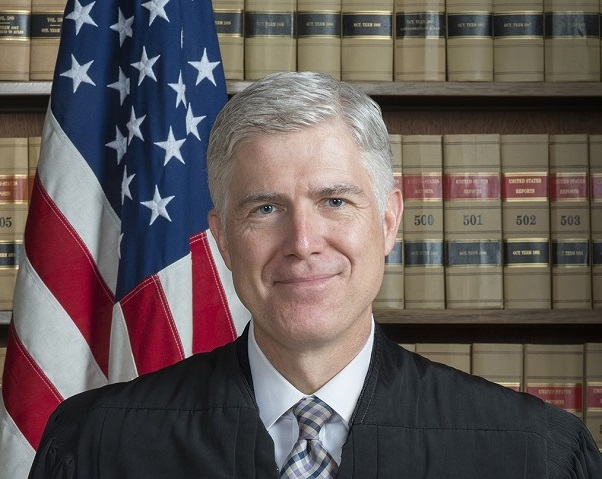 Neil Gorsuch, Associate_Justice_Neil_Gorsuch_Official_Portrait, 2017 final short