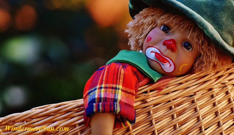 raggedy clown in basket-blur-boy-208087 final