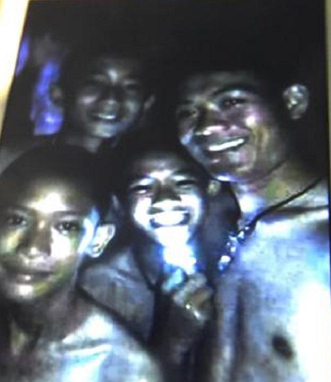 thai-cave-rescue-families-070318-3-exlarge-169 final