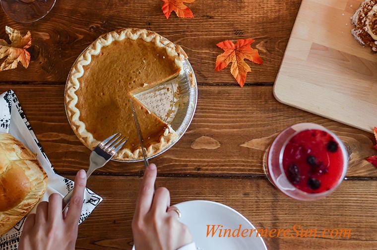 pumpkin pie, beverage-board-bread-669734 final
