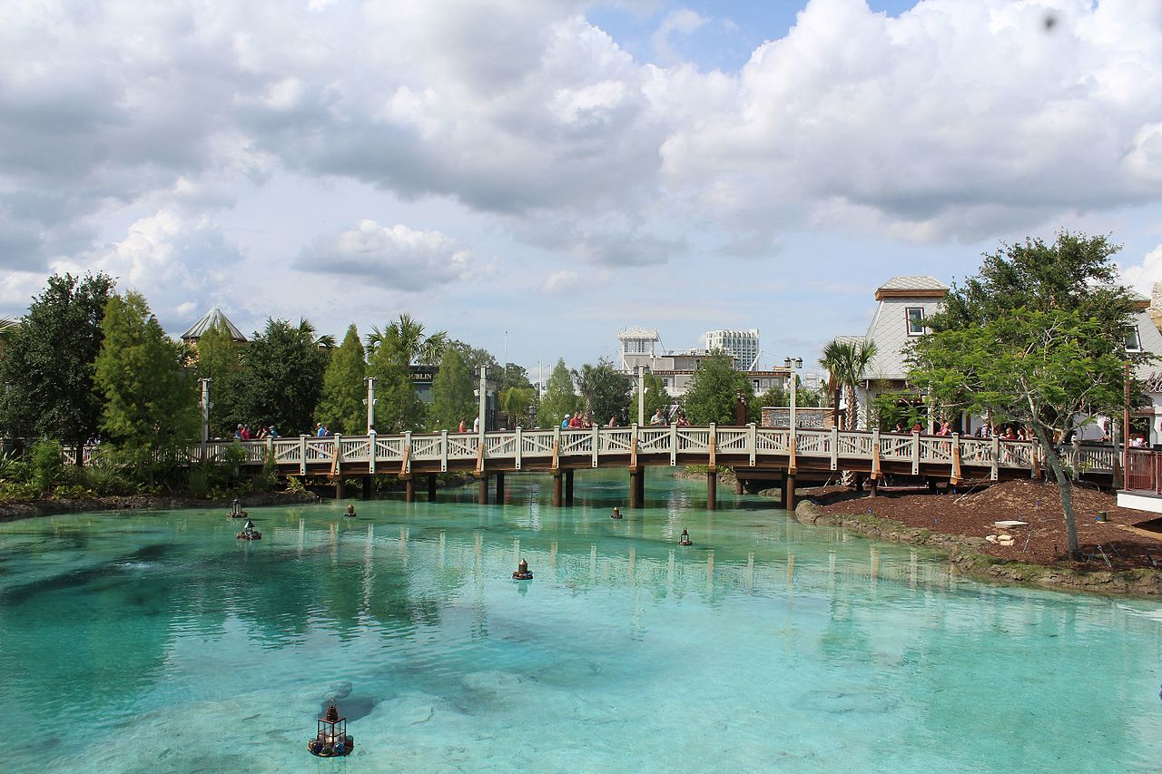 DisneySprings,Springs_of_Disney_Springs_(26531042964), Attribution-Theme Park Tourist posted in Flickr, Creative Commons