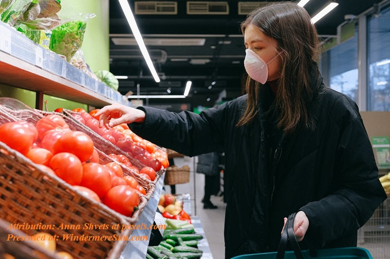 woman with mask reaching for tomato, pexels-photo-3987221 final