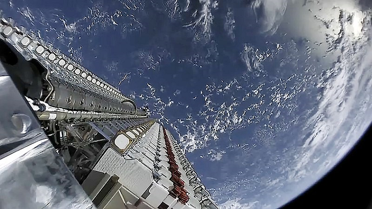 Starlink Mission, attribution-Official SpaceX Photos, CC0 1.0, no copyright final
